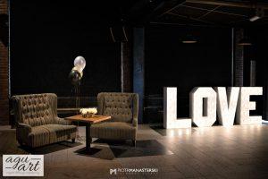 strefa chillout i napis Love