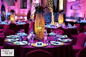 dekoracja ślubna sali weselnej na dziedzińcu Zamku w Gniewie