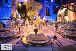 dekoracja ślubna sali weselnej na dziedzińcy Zamku w Gniewie
